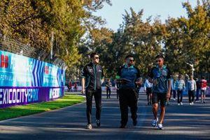 Ho-Pin Tung, Panasonic Jaguar Racing, and Mitch Evans (NZL), Panasonic Jaguar Racing, on the track walk with the team