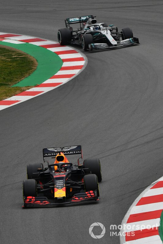 Max Verstappen, Red Bull Racing RB15 and Valtteri Bottas, Mercedes-AMG F1 W10