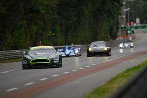#9 Aston Martin DBR9: Darren Turner