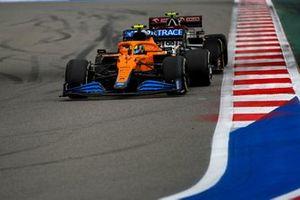 Lando Norris, McLaren MCL35M, Antonio Giovinazzi, Alfa Romeo Racing C41