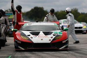 #1: Paul Miller Racing Lamborghini Huracan GT3, GTD: Madison Snow, Bryan Sellers fait un arrêt