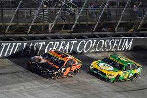 Chase Elliott, Hendrick Motorsports, Chevrolet Camaro Hooters, Kevin Harvick, Stewart-Haas Racing, Ford Mustang Subway Delivery