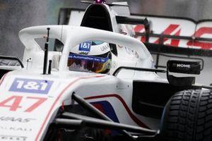 Mick Schumacher, Haas VF-21, arriveert op de grid