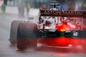 Lance Stroll, Aston Martin AMR21, arrives on the grid