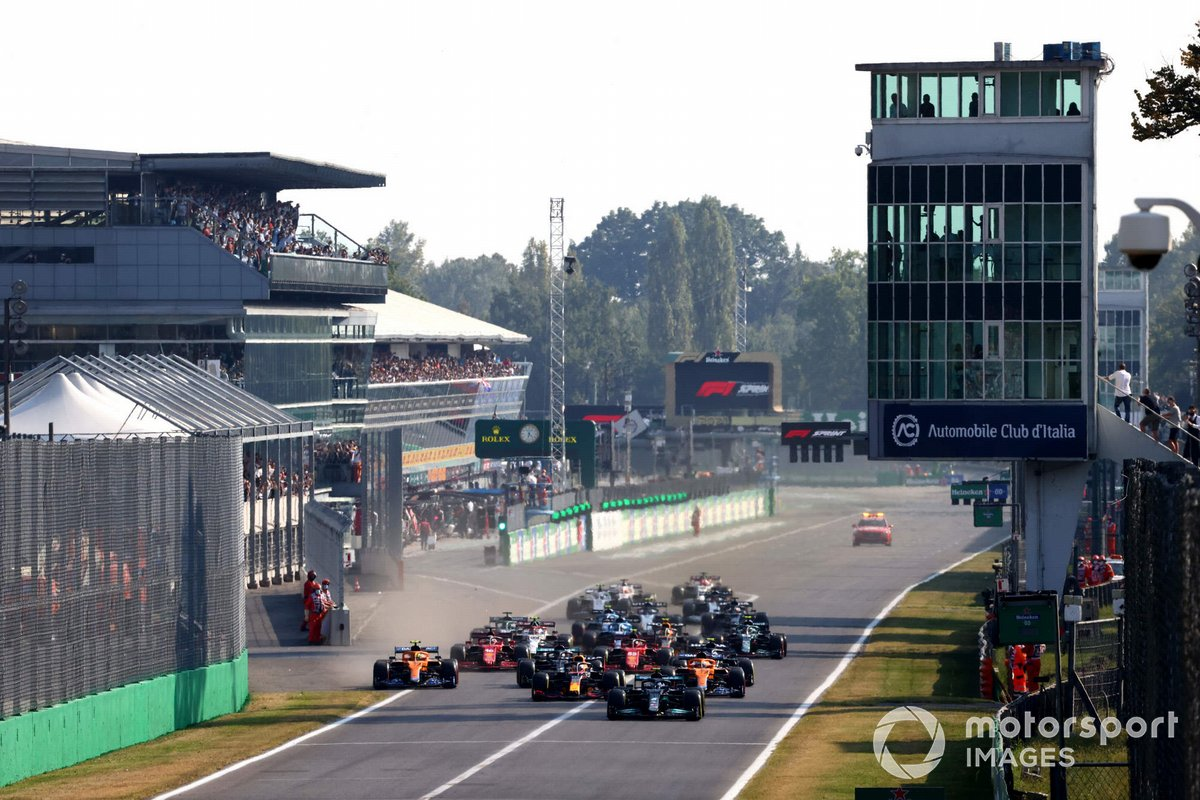 Valtteri Bottas, Mercedes W12, Max Verstappen, Red Bull Racing RB16B, Daniel Ricciardo, McLaren MCL35M, Lando Norris, McLaren MCL35M, Lewis Hamilton, Mercedes W12, Pierre Gasly, AlphaTauri AT02