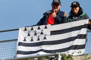 Fan con la bandiera britannica