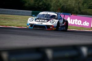 #74 Kues Team Bernhard Porsche 911 GT3 R: Joel Eriksson, Julian Andlauer