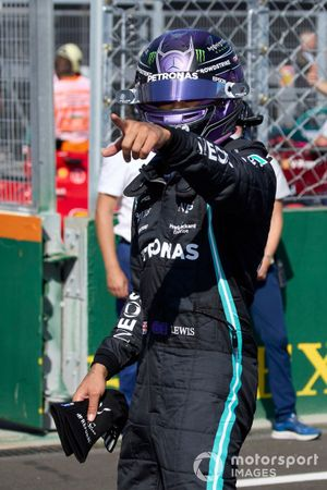 Lewis Hamilton, Mercedes, arriva nel Parc Ferme