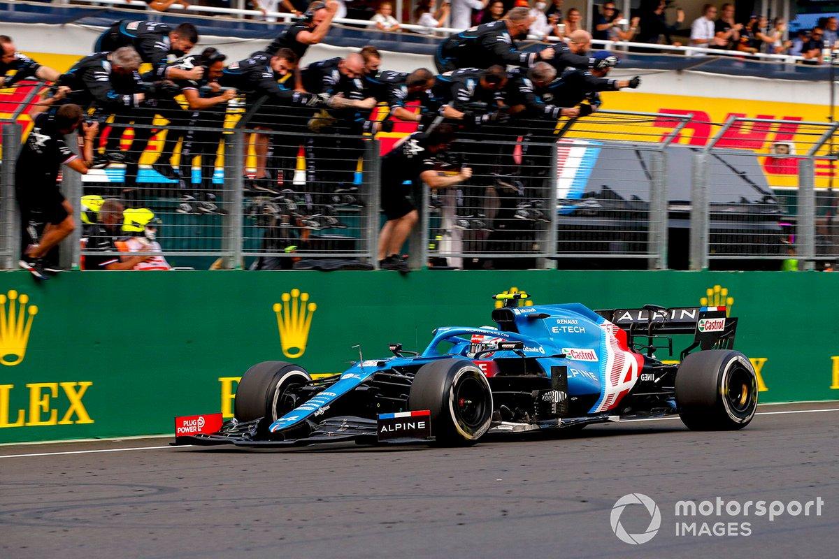 Ganador de la carrera Esteban Ocon, Alpine A521