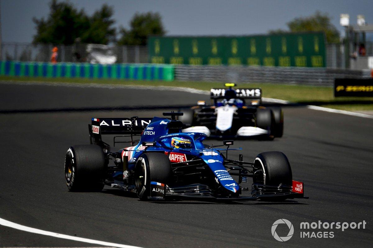 Fernando Alonso, Alpine A521, Nicholas Latifi, Williams FW43B