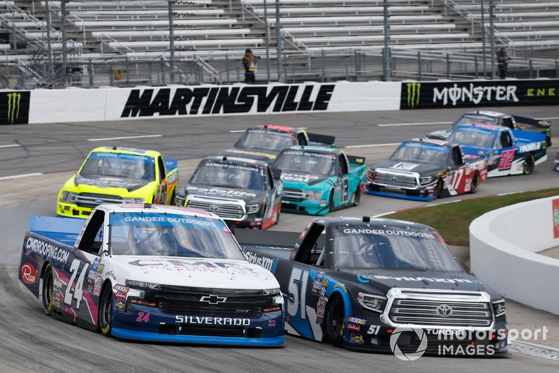 Christian Eckes, Kyle Busch Motorsports, Toyota Tundra SiriusXM Brett Moffitt, GMS Racing, Chevrolet Silverado CMR Construction & Roofing