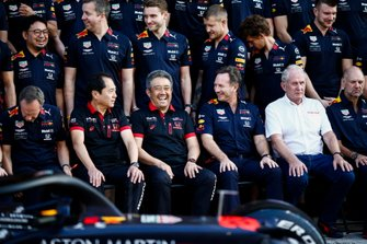 Toyoharu Tanabe, F1 Technical Director, Honda, Masashi Yamamoto, General Manager, Honda Motorsport, Christian Horner, Team Principal, Red Bull Racing, Helmut Marko, Consultant, Red Bull Racing and Adrian Newey, Chief Technical Officer, Red Bull Racing