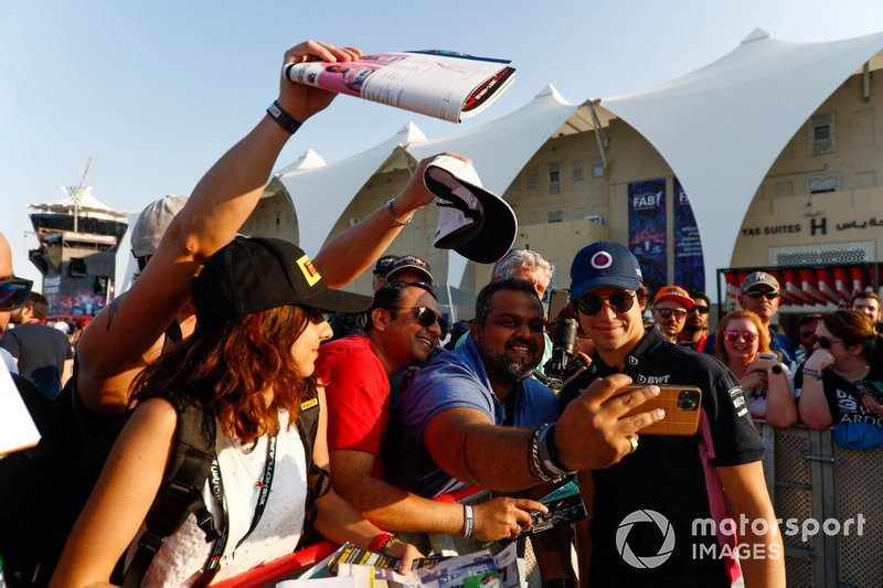 Lance Stroll, Racing Point, meets fans