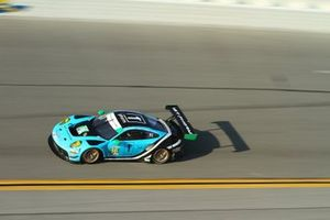 #16 Wright Motorsports Porsche 911 GT3 R: Ryan Hardwick, Patrick Long, Klaus Bachler