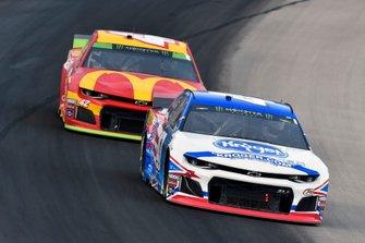 Ryan Preece, JTG Daugherty Racing, Chevrolet Camaro Kroger and Kyle Larson, Chip Ganassi Racing, Chevrolet Camaro McDonald's