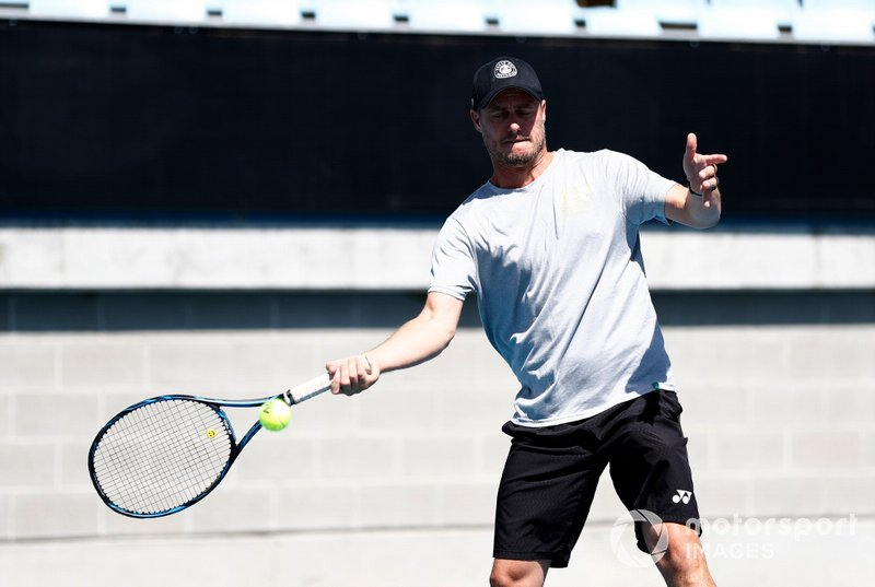 Lleyton Hewitt joue au tennis avec Lance Stroll, Racing Point