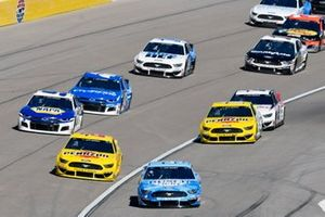 Kevin Harvick, Stewart-Haas Racing, Ford Mustang Busch Light, Joey Logano, Team Penske, Ford Mustang Pennzoil