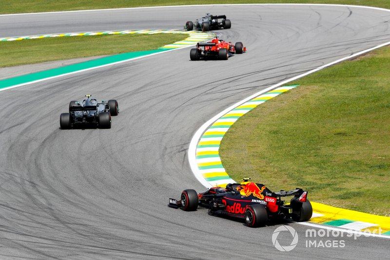 Lewis Hamilton, Mercedes AMG F1 W10, Sebastian Vettel, Ferrari SF90, Valtteri Bottas, Mercedes AMG W10, y Alexander Albon, Red Bull RB15
