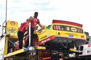 Joey Logano, Team Penske, Ford Mustang Shell Pennzoil hauler