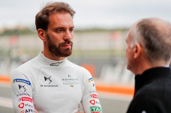 Jean-Eric Vergne, DS TECHEETAH, talks to team