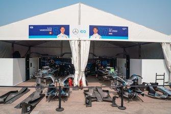 Garajes de Stoffel Vandoorne, Mercedes Benz EQ, EQ Silver Arrow 01, Nyck De Vries, Mercedes Benz EQ, EQ Silver Arrow 01