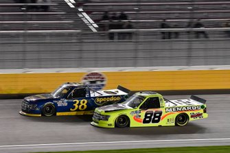 Todd Gilliland, Front Row Motorsports, Ford F-150 Black's Tire, Matt Crafton, ThorSport Racing, Ford F-150 Damp Rid / Menards