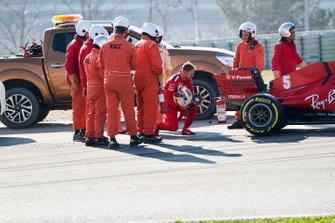 Sebastian Vettel, Ferrari SF1000 stops on track