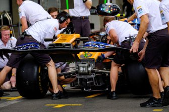 Prove Pitstop della McLaren MCL34