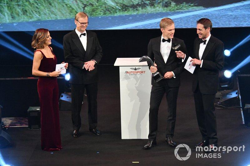 Ott Tanak recibe el premio al Piloto de Rally del Año