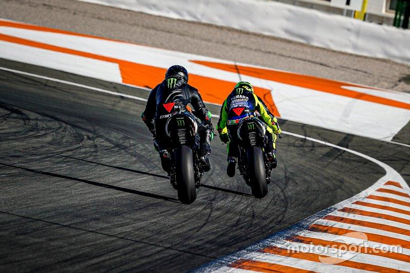 Lewis Hamilton, Yamaha MotoGP YZR-M1, Valentino Rossi, MotoGP YZR-M1