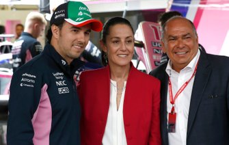 Sergio Perez, Racing Point, Claudia Sheinbaum the Mayor of Mexico City and Antonio Pérez Garibay in the Racing Point garage