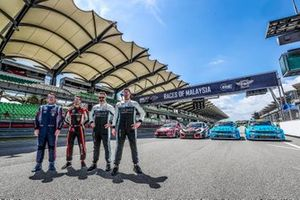 Претенденты на титул: Норберт Михелис, BRC Hyundai N Squadra Corse, Hyundai i30 N TCR, Эстебан Герьери, ALL-INKL.COM Münnich Motorsport, Honda Civic Type R TCR (FK8), Иван Мюллер и Тед Бьорк, Cyan Racing Lynk & Co, Lynk & Co 03 TCR