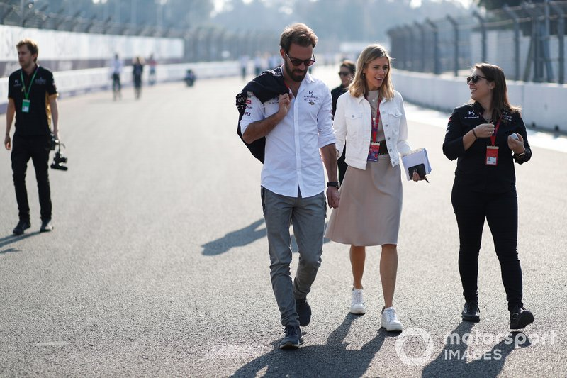 Jean-Eric Vergne, DS Techeetah on the track walk with TV Presenter Nicki Shields