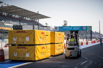 DHL unload the freight