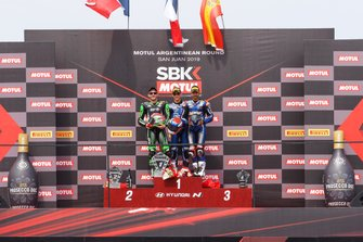 Podium : le vainqueur Jules Cluzel, GMT94 Yamaha, le deuxième Lucas Mahias, Kawasaki Puccetti Racing, le troisième Isaac Vinales, Kallio Racing