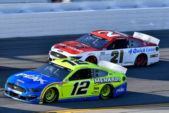 Ryan Blaney, Team Penske, Ford Mustang Menards / Peak, Matt DiBenedetto, Wood Brothers Racing, Ford Mustang Motorcraft/Quick Lane