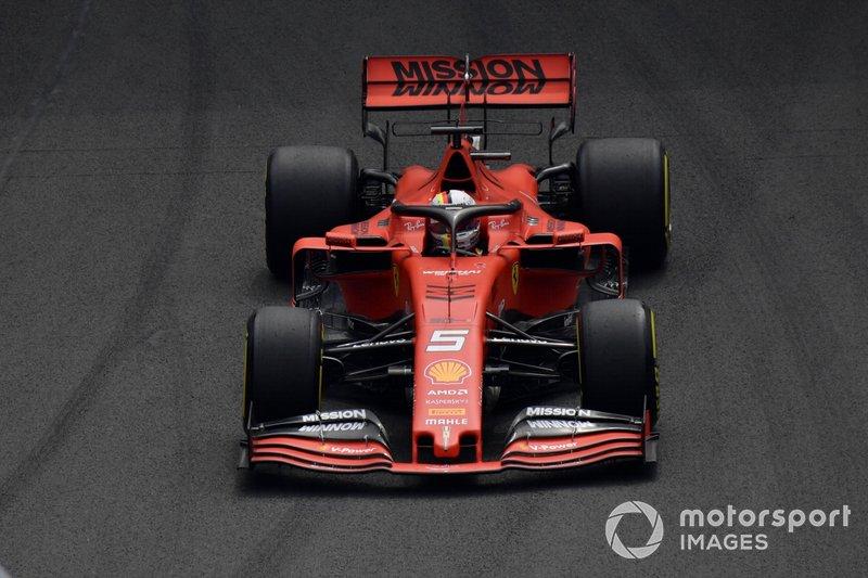 Ferrari подбадривает Феттеля в борьбе с Хэмилтоном
