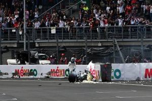 Valtteri Bottas, Mercedes AMG W10, crashes heavily at the end of Qualifying