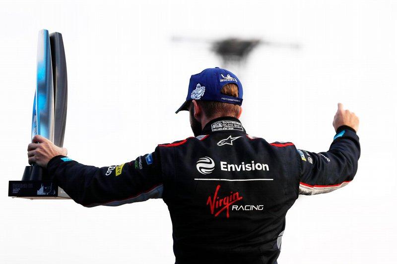 Sam Bird, Virgin Racing, Audi e-tron FE06, celebrates on the podium