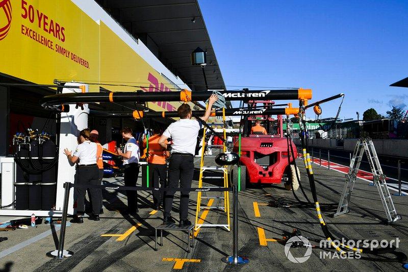 McLaren pit gantry being reinstalled after Typhoon Hagibis