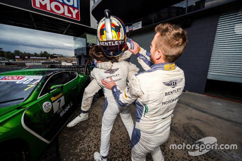 Il vincitore #7 Bentley Team M-Sport Bentley Continental GT3: Jules Gounon, Maxime Soulet, Jordan Pepper