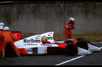 Collision entre Ayrton Senna, McLaren MP4/5, et Alain Prost, McLaren MP4/5