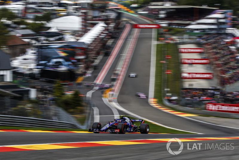 10: Pierre Gasly, Scuderia Toro Rosso STR13, 1'43.844