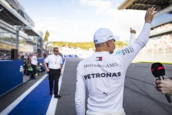 Ple man Valtteri Bottas, Mercedes AMG F1, celebrates