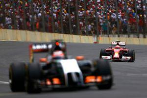 Nico Hulkenberg, Force India VJM07 Mercedes, Kimi Raikkonen, Ferrari F14T