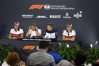 Marcus Ericsson, Sauber, Valtteri Bottas, Mercedes AMG F1, Sergey Sirotkin, Williams Racing ve Charles Leclerc, Sauber basın toplantısı