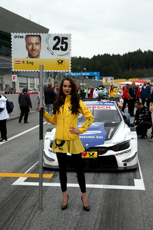 Gridgirl Philipp Eng, BMW Team RBM