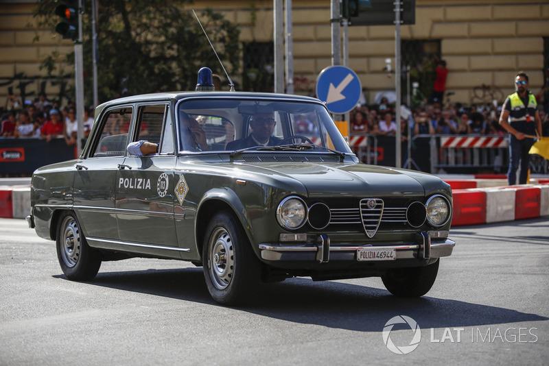 Mobil polisi antik