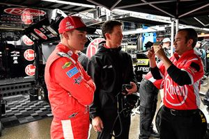 Christopher Bell, Joe Gibbs Racing, Toyota Camry Rheem, Jason Ratcliff, and a crew member