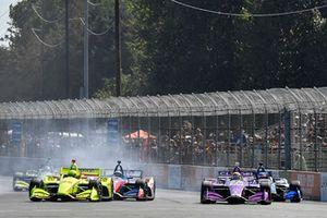 Simon Pagenaud, Team Penske Chevrolet, Santino Ferrucci, Dale Coyne Racing Honda, start